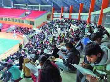 Potosí: Cerca de 4.000 postulantes a las escuelas de maestros dan examen escrito hoy - eju.tv
