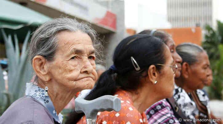"""""""Es una bofetada a nuestros ancianos"""": Pensionados del IVSS cobraron 70 centavos de dólar"""