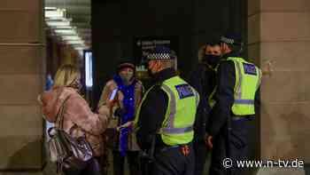 Trotz Lockdown rund 400 Gäste: Londoner Polizei löst Hochzeitssause auf
