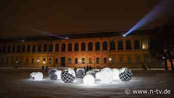 Los, an die frische Luft!: In München leuchtet die Kunst draußen