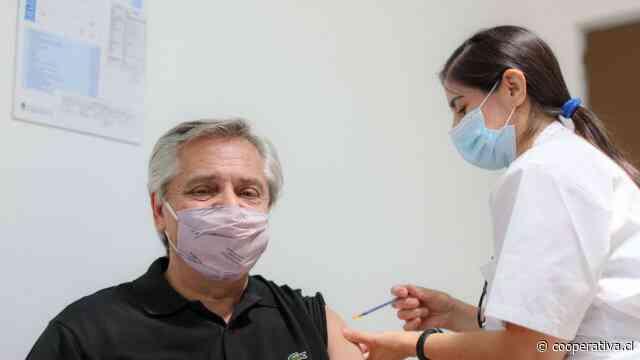 Alberto Fernández se puso la vacuna rusa