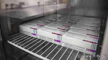EU-Zulassung für Januar erwartet: Auch Astrazeneca liefert weniger Impfstoff