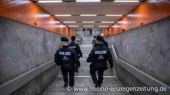 Schwerer Angriff auf Rentner an Nürnberger U-Bahnhof: Mehrere Tritte gegen den Kopf - Verdächtiger flieht