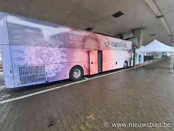 Autobus met mobiel testcentrum helpt bij snel indijken van corona-opstoot - Het Nieuwsblad