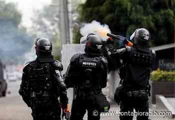 ESMAD reprime protestas contra proyectos petroleros en Sáchica, Boyacá – Contagio Radio - Contagio Radio