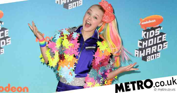 JoJo Siwa comes out as gay with iconic announcement