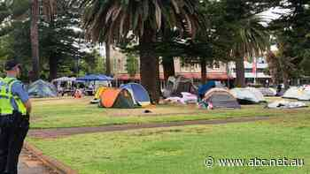 Fremantle's tent city dismantled as WA Government takes legal control