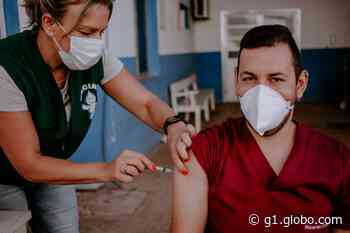 Primeiro uruguaio é vacinado contra a Covid-19 em Santana do Livramento - G1