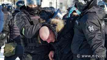 Aufruf zu weiteren Protesten: Polizei geht gegen Nawalny-Unterstützer vor
