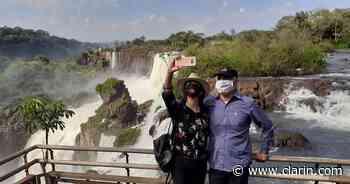 Coronavirus: un hotel de Iguazú cerró y el dueño subastó los muebles en las redes para sobrevivir - Clarín.com