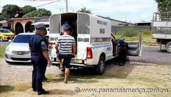 Durante cuarentena total en Parita, usan taxis para entregar pedidos de licor a domicilio - Panamá América