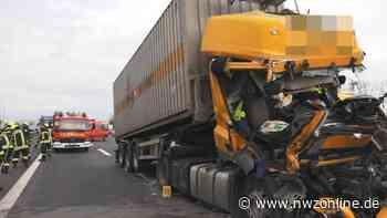 Unfall bei HOldorf: Mehrere Lkw und Autos verunglückt – A1 stundenlang gesperrt - Nordwest-Zeitung
