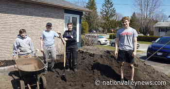 Russell youth dig deep to support Embrun Food Bank | Nation Valley News - Nation Valley News