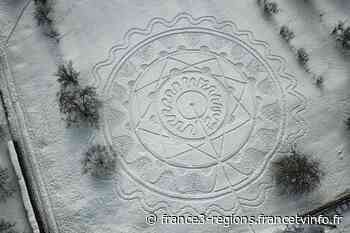 INSOLITE - Bas-Rhin : un habitant de Schweighouse-sur-Moder trace des mandalas géants dans la neige - France 3 Régions
