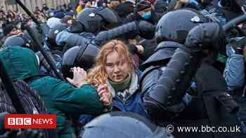 Alexei Navalny: 'More than 3,000 detained' in protests across Russia