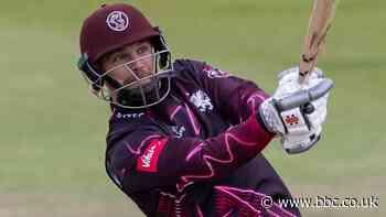 James Hildreth: Somerset veteran extends contract until 2022