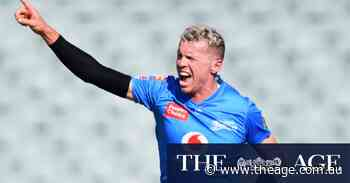 Hopes of a Sydney final fade as Thunder fall to Strikers