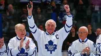 Former Maple Leafs captain George Armstrong dead at 90