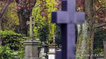 Recht auf dem Friedhof: Was bei Bestattungen erlaubt ist