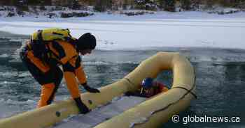 Parks Canada issues warning after 4 people fall through ice on Alberta lake
