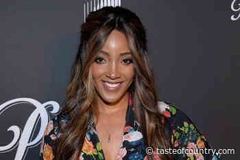 Mickey Guyton Shows Off Pregnancy In Stunning Maternity Photo