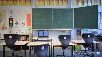 Nur für bestimmte Klassenstufen: KMK hält Schulöffnung im Februar für möglich