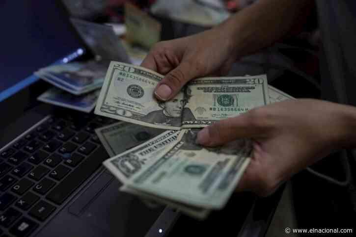 Dólar paralelo abrió la jornada a la baja: así se cotiza para este lunes