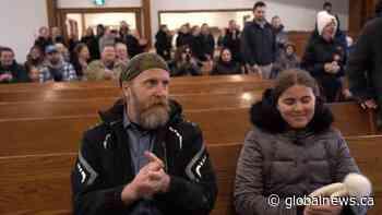 Coronavirus: Video shows maskless crowd inside Aylmer, Ont., church