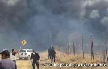 Enorme incendio en carretera a Rioverde - Noticias de San Luis Potosí - Quadratín San Luis