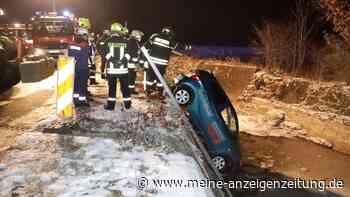 Schnee-Chaos auf Bayerns Straßen: Zahlreiche Unfälle halten die Polizei auf Trab - Fahranfänger stirbt