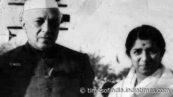When Lata Mangeshkar's heartfelt rendition of 'Ae Mere Watan Ke Logon' left Pandit Jawaharlal Nehru emotional