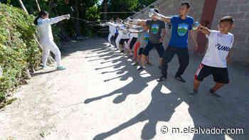 En San Pedro Masahuat está el único club de esgrima de Latinoamérica que entrena entre potreros | Noticias de El Salvador - elsalvador.com - elsalvador.com