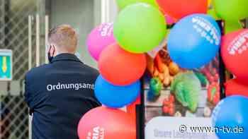 Gäste aus ganz Deutschland: Polizei löst Party mit fast 40 Personen auf