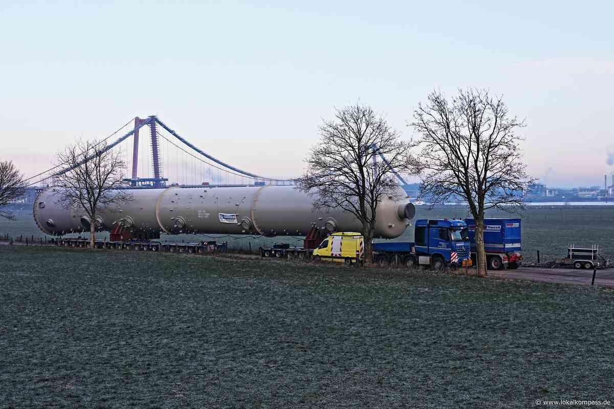 Schwertransport!: Schwertransport (303 000 kg) auf 28 Achsen (224 Räder) Unterwegs! - Kleve - Lokalkompass.de