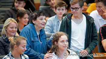 Holocaust-Gedenken: Weshalb Zeitzeugen so wichtig sind