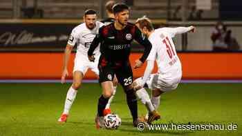 SV Wehen Wiesbaden erkämpft Last-Minute-Remis gegen Köln - hessenschau.de