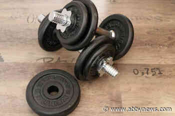 B.C. teacher gets one-day suspension after 'aggressively' throwing dumbbell at student