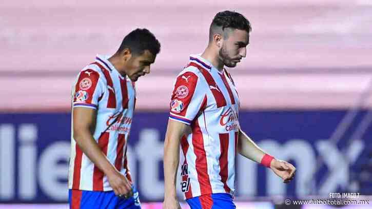 Jugadores de Chivas discutieron tras derrota ante Atlético San Luis