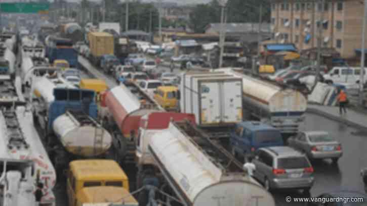 Breaking: Lagos govt imposes restriction of movement on trucks, trailers along Oshodi-Apapa Expressway