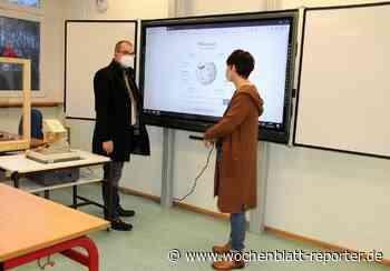 Realschule Plus in Queidersbach rüstet auf: Neue digitale Tafeln - Wochenblatt-Reporter