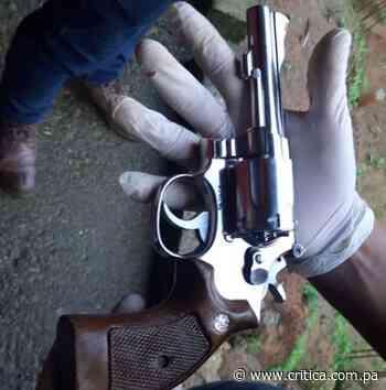"""Agarran a """"7 Tiros"""" por posesión ilegal de arma en Cativá - Crítica"""