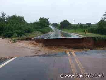 Chuva abre cratera e bloqueia rodovia SP-191 entre Charqueada e Ipeúna - Grupo JC de Comunicação