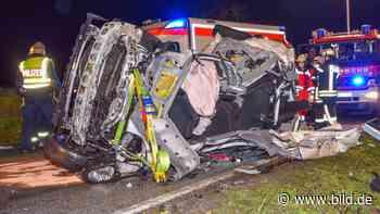 Bei Schwaigern - Frau (20) stirbt bei Auto-Zusammenstoß - BILD