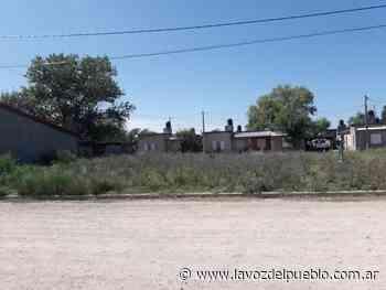 Reclaman por mantenimiento en la plazoleta de Charcas y Neuquén - La Voz del Pueblo