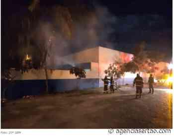 Incêndio atinge prédio da secretaria de Saúde de Bom Jesus da Lapa - Agência Sertão