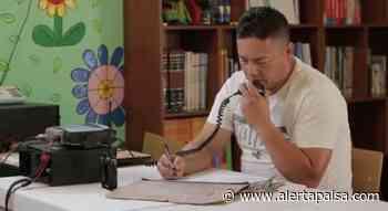 Docente en Cocorná, Antioquia, emplea un radio para dar clases a sus alumnos - Alerta Paisa