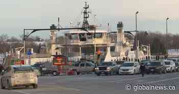 OPP searching for man who fell from Wolfe Island Ferry - Globalnews.ca