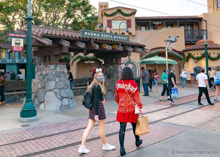 Downtown Disney Still Requiring Masks For Vaccinated Guests