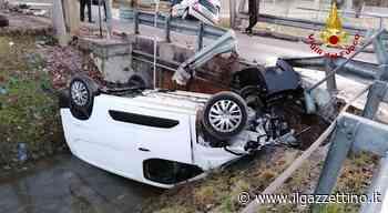 Santa Maria di Sala, incidente fra due auto oggi, una finisce rovesciata nel canale. Due feriti... - Il Gazzettino