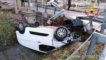 Incidente a Santa Maria di Sala: auto rovesciata in un canale di scolo - Nordest24.it